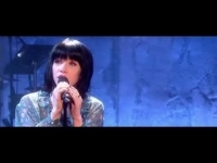 carly_rae_jepsen_-_run_away_with_me_live_on_alan_carr_chatty_man_2015_09_18