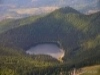 jezioro_w_kraterze_wulkanu_ciomadul_w_rumunii